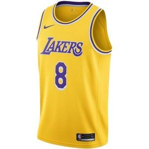 The Lakers Kobe Bryant's No. 8 jersey pays tribute